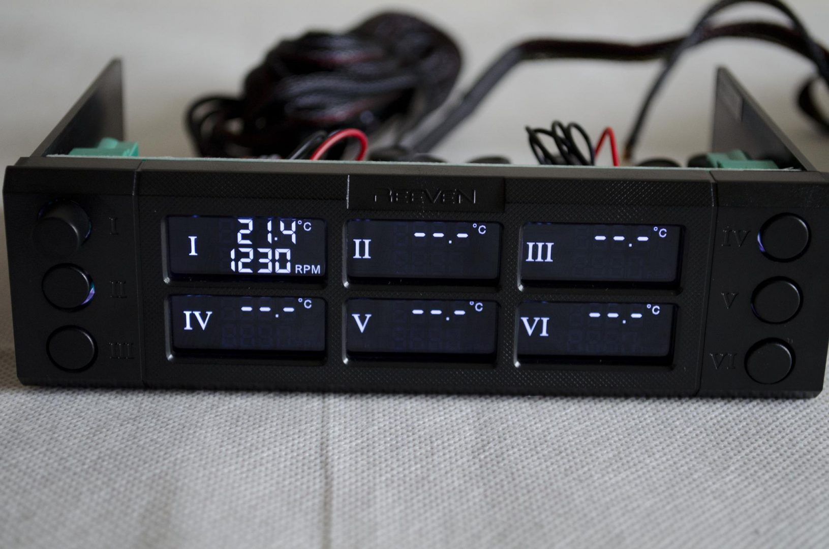 REEVEN SIX EYES TWO Fan Controller Review_5