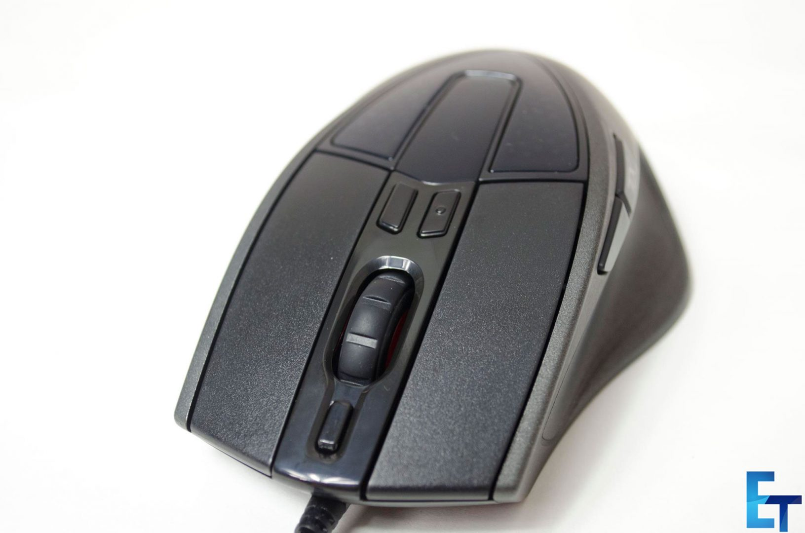 Cooler-Master-Sentinel-III-Ergonomic-Gaming-Mouse-Review_11
