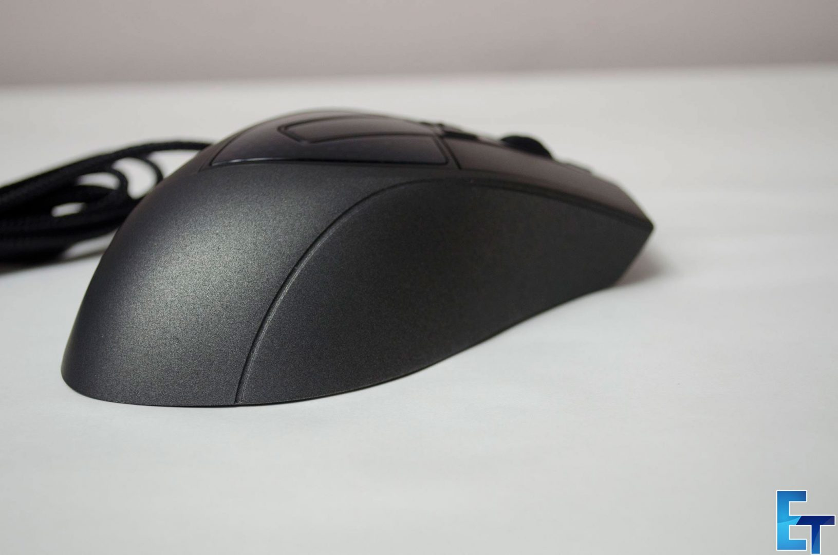 Cooler-Master-Sentinel-III-Ergonomic-Gaming-Mouse-Review_9