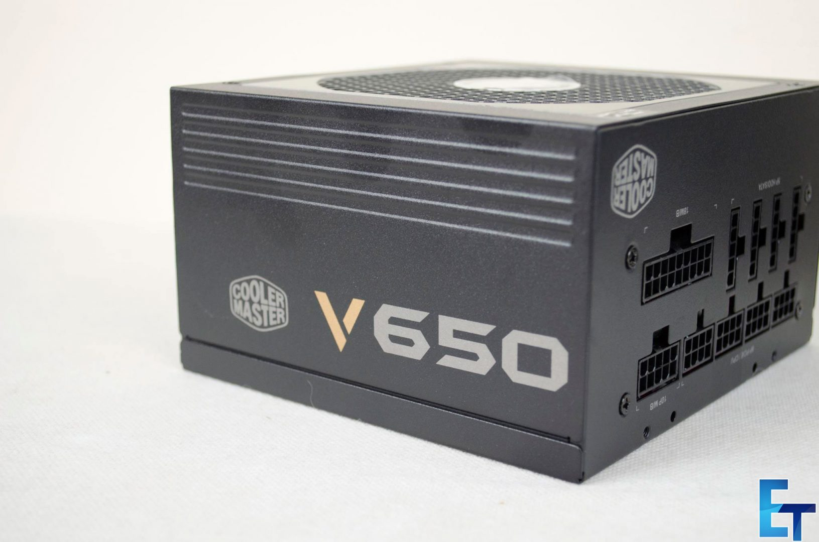 Cooler-Master-V650-Fully-Modular-PSU_6