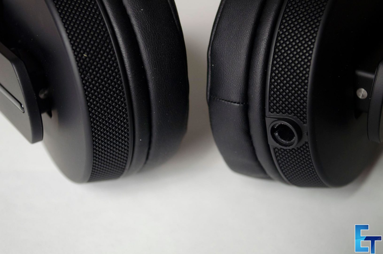 Pioneer-HDJ-700-Headphones-Review_6
