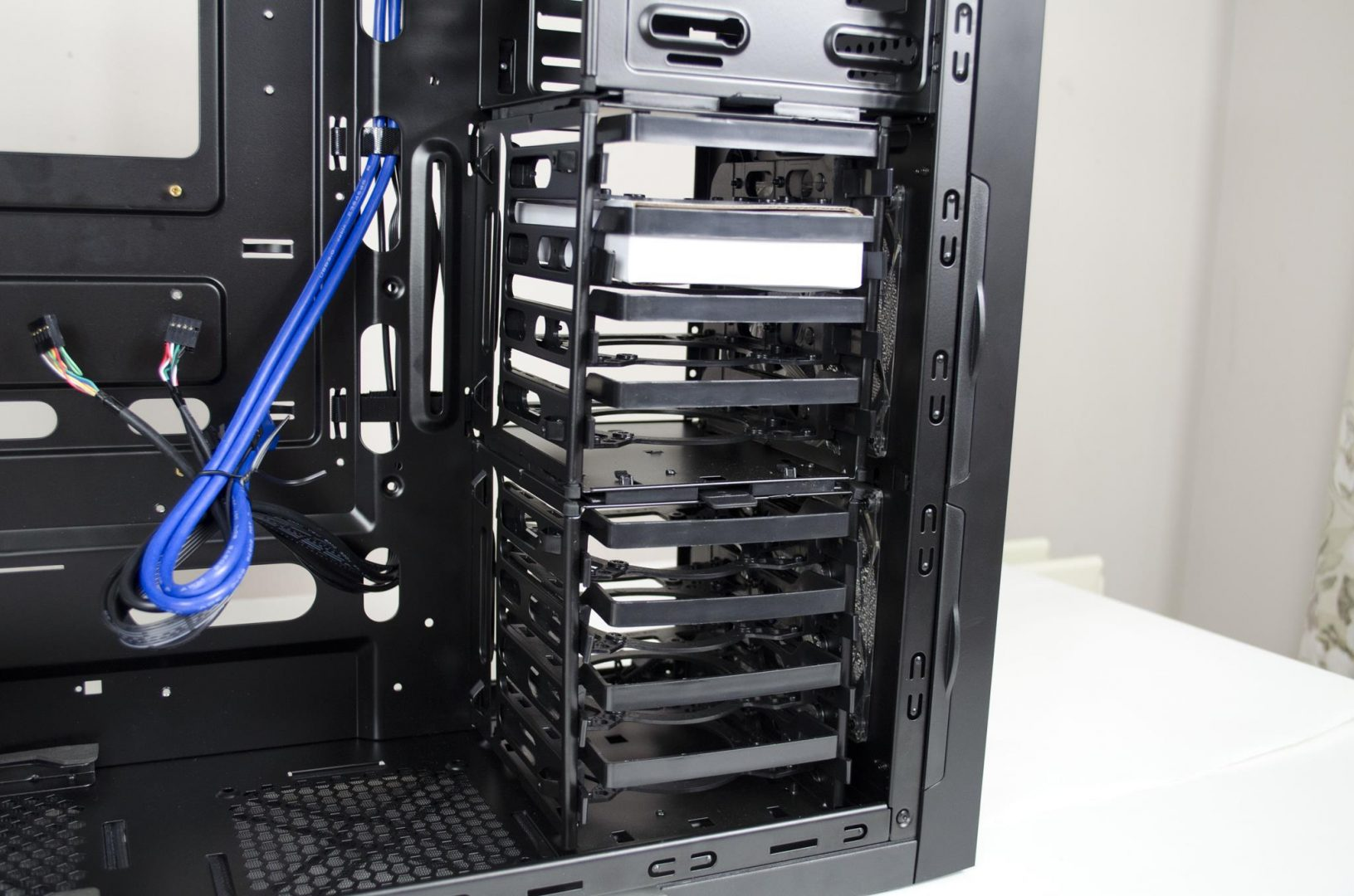 Cooltek Skall PC Case Review_11