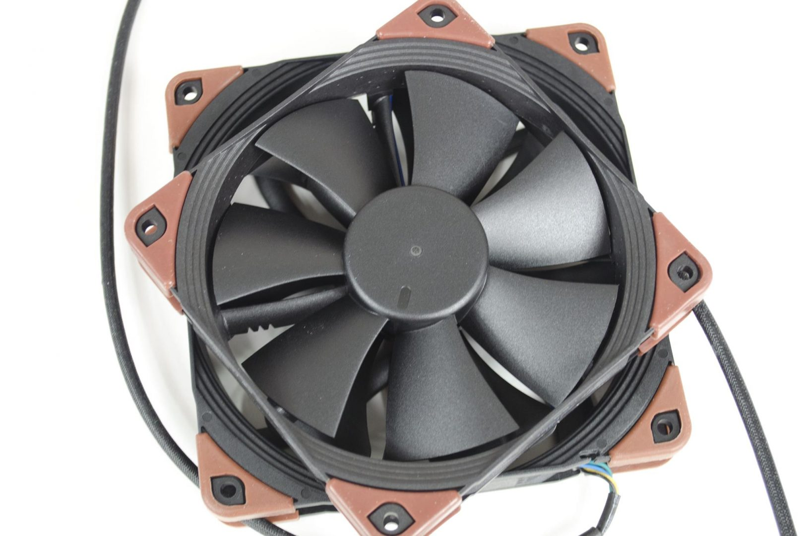 Noctua industrialPPC Fans review_3
