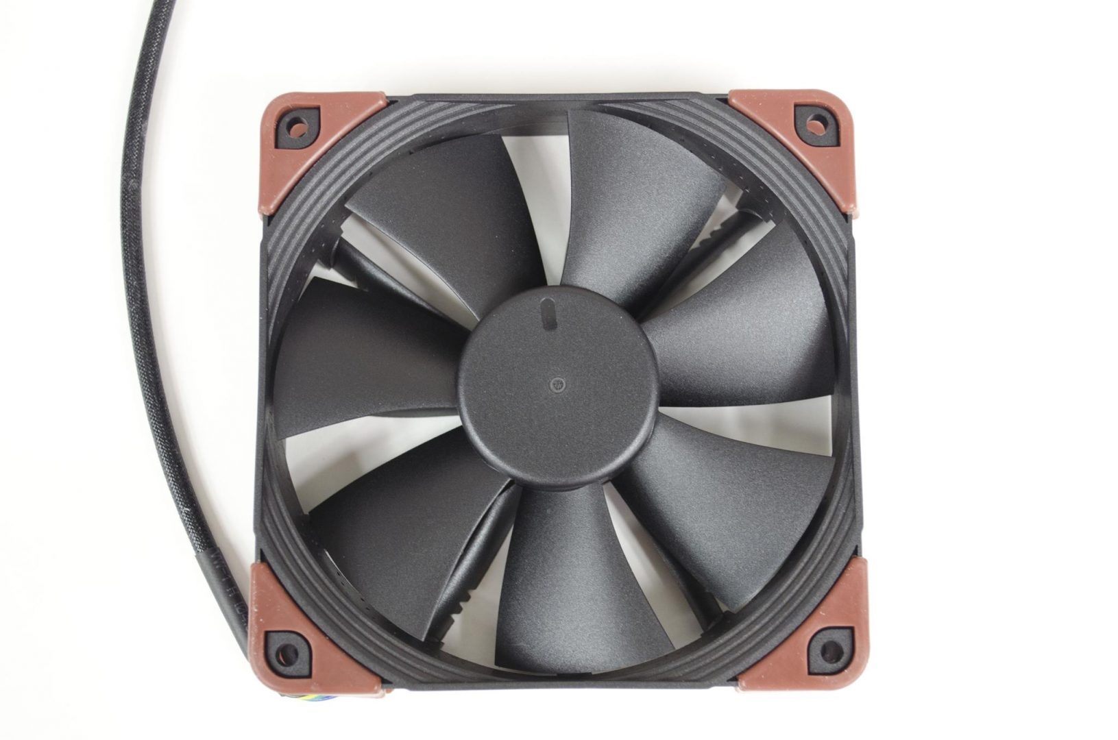 Noctua industrialPPC Fans review_9