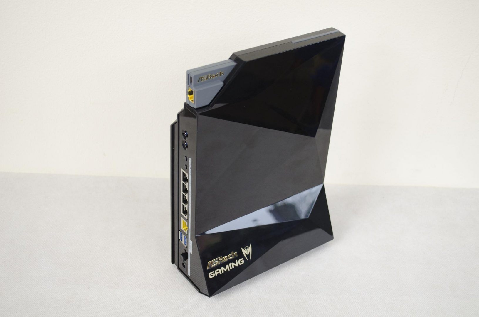 ASRock G10 Gaming AC2600 WiFi Router with H2R HDMI Dongle Review