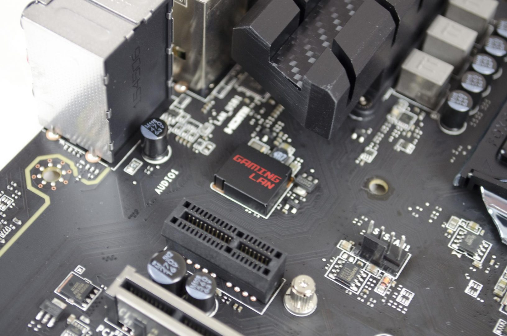 MSI Z170A Gaming Pro Carbon Motherboard Review_12