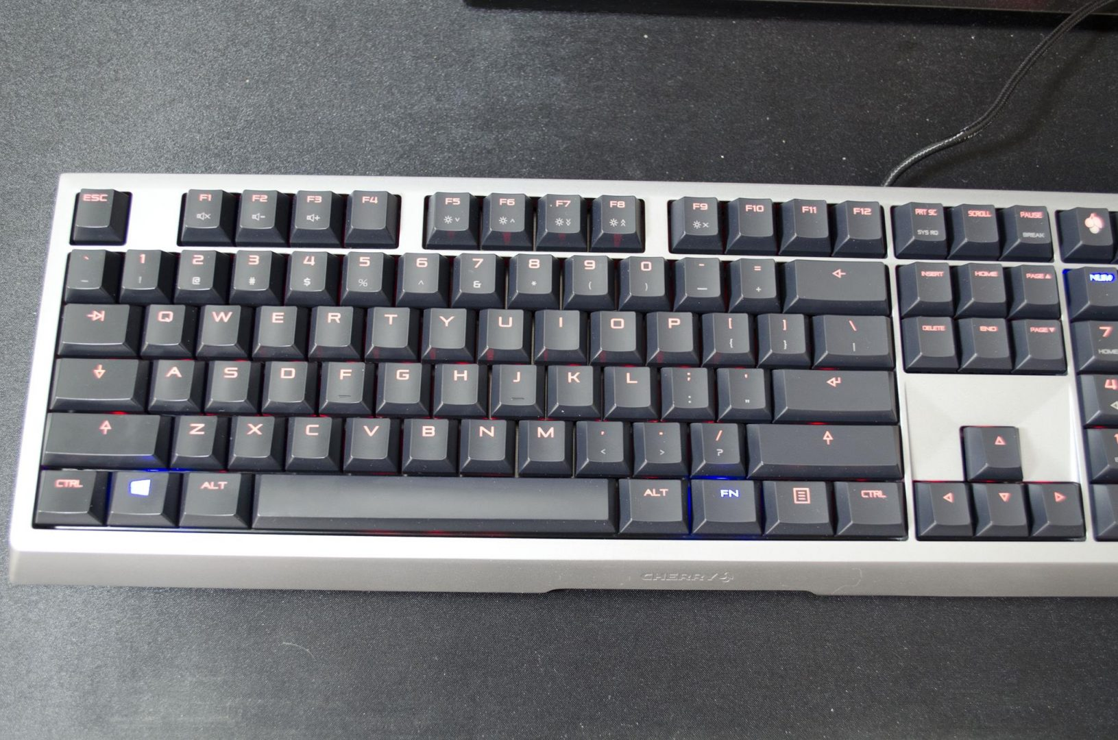 cherry mx-board 6 mechanical keyboard review_1