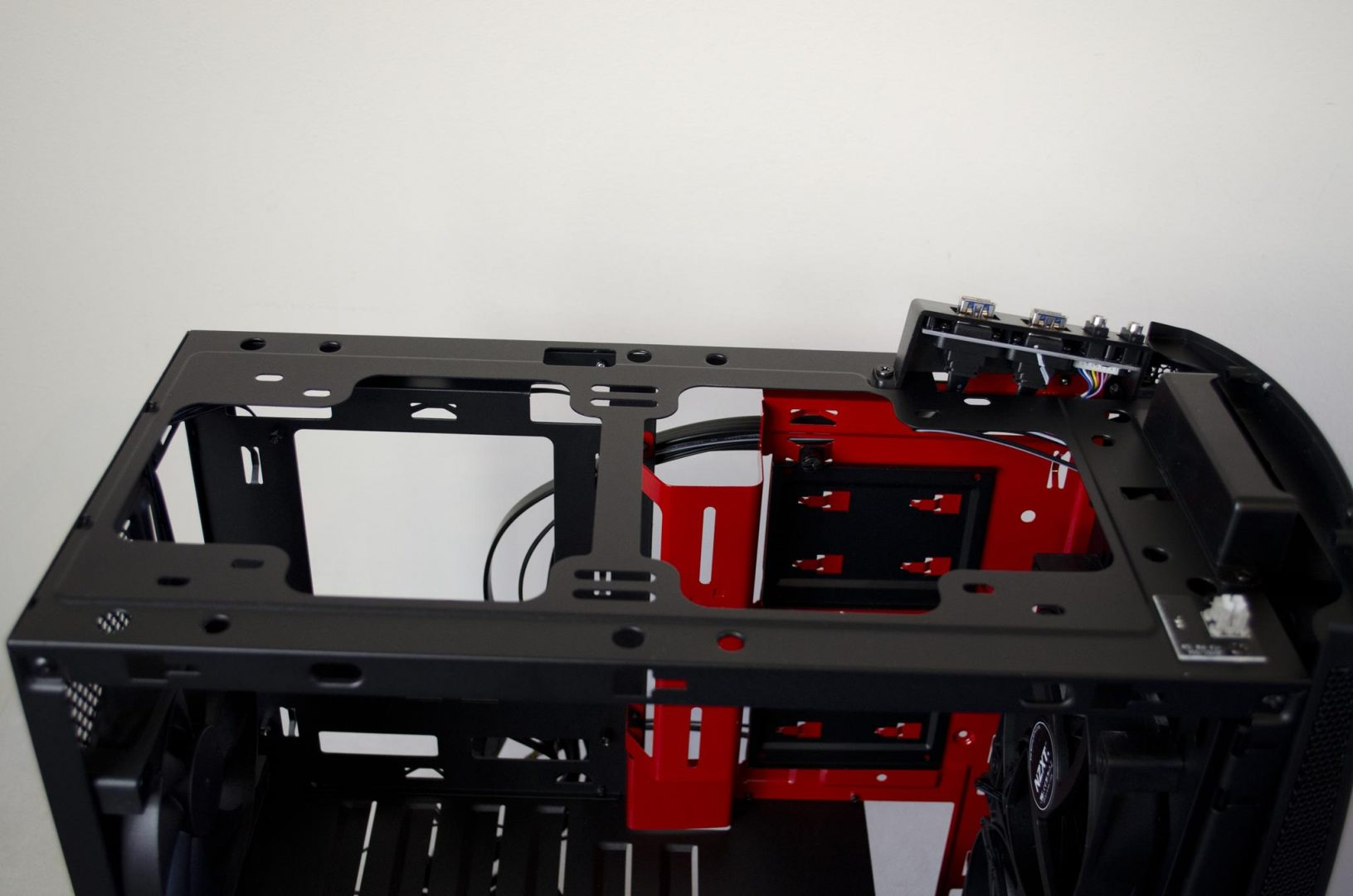nzxt manta pc case review_14