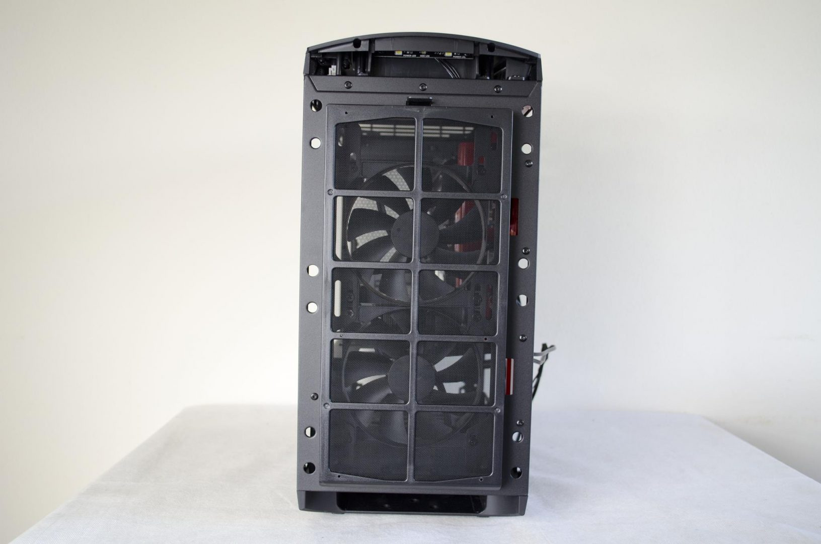 nzxt manta pc case review_17