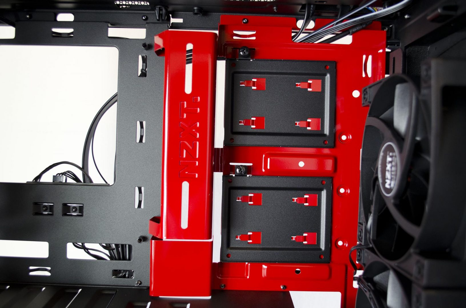 nzxt manta pc case review_7