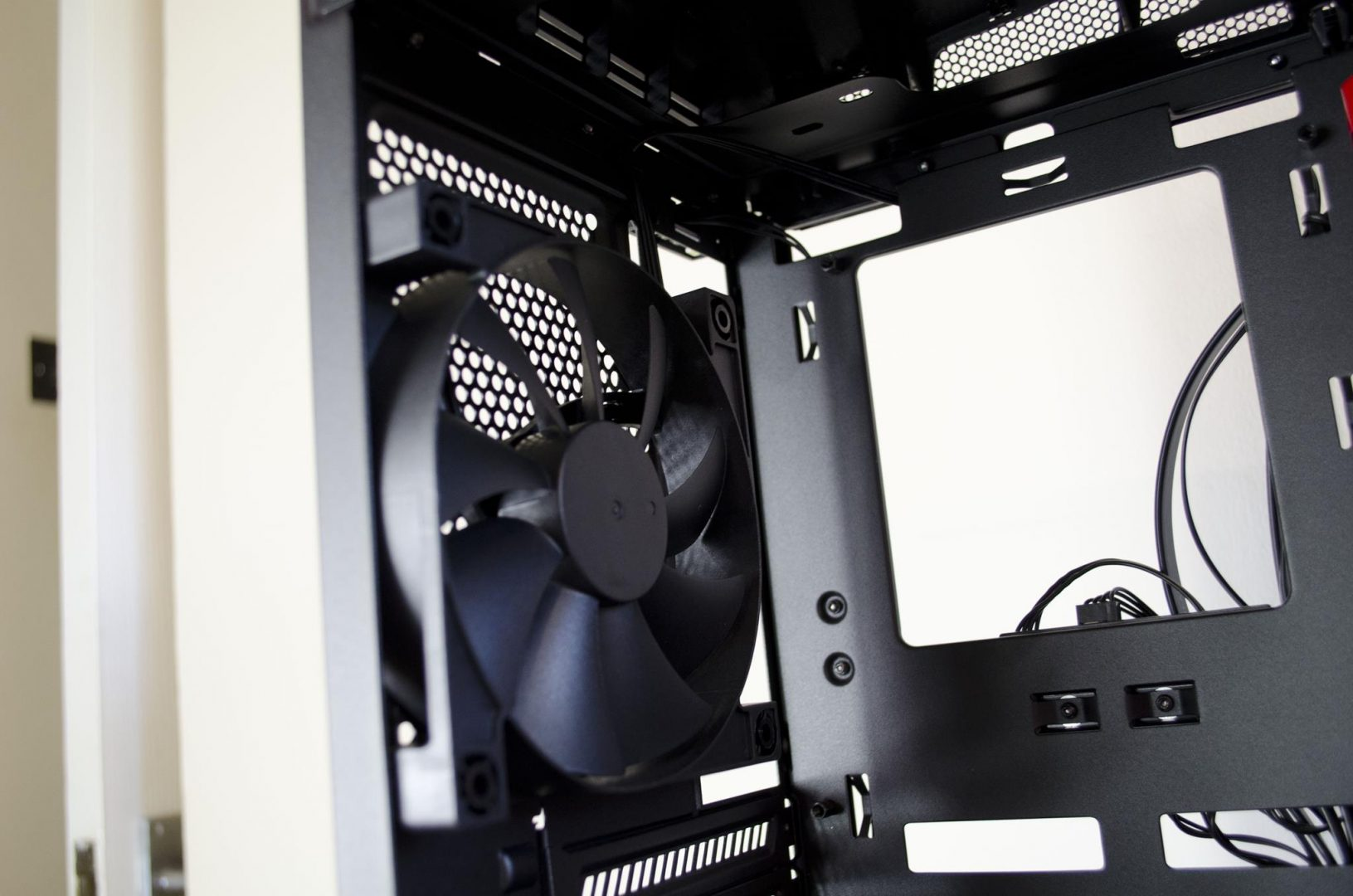 nzxt manta pc case review_9