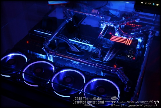Thermaltake 2016 Thermaltake CaseMOD Invitational Season 1_ Peter Brands's Tt Desk_ 1st Place_ 2