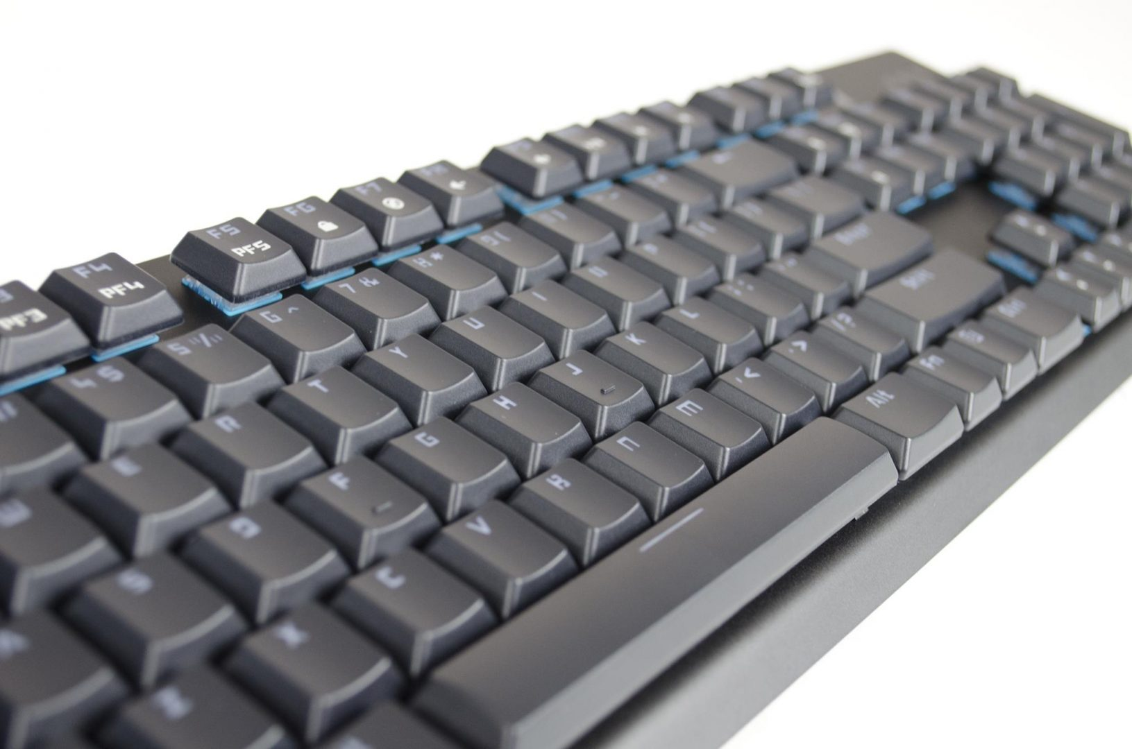 tesoro-gram-spectrum-rgm-gaming-mechanical-keyboard-review_11