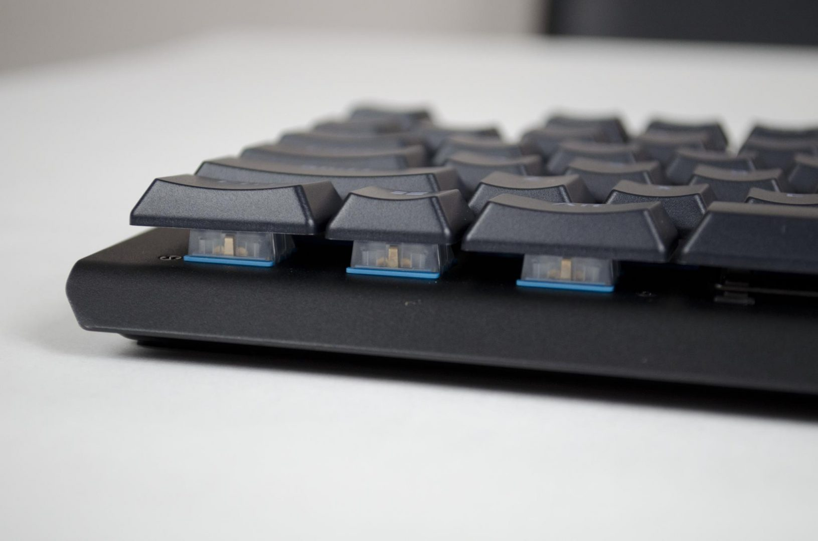 tesoro-gram-spectrum-rgm-gaming-mechanical-keyboard-review_9