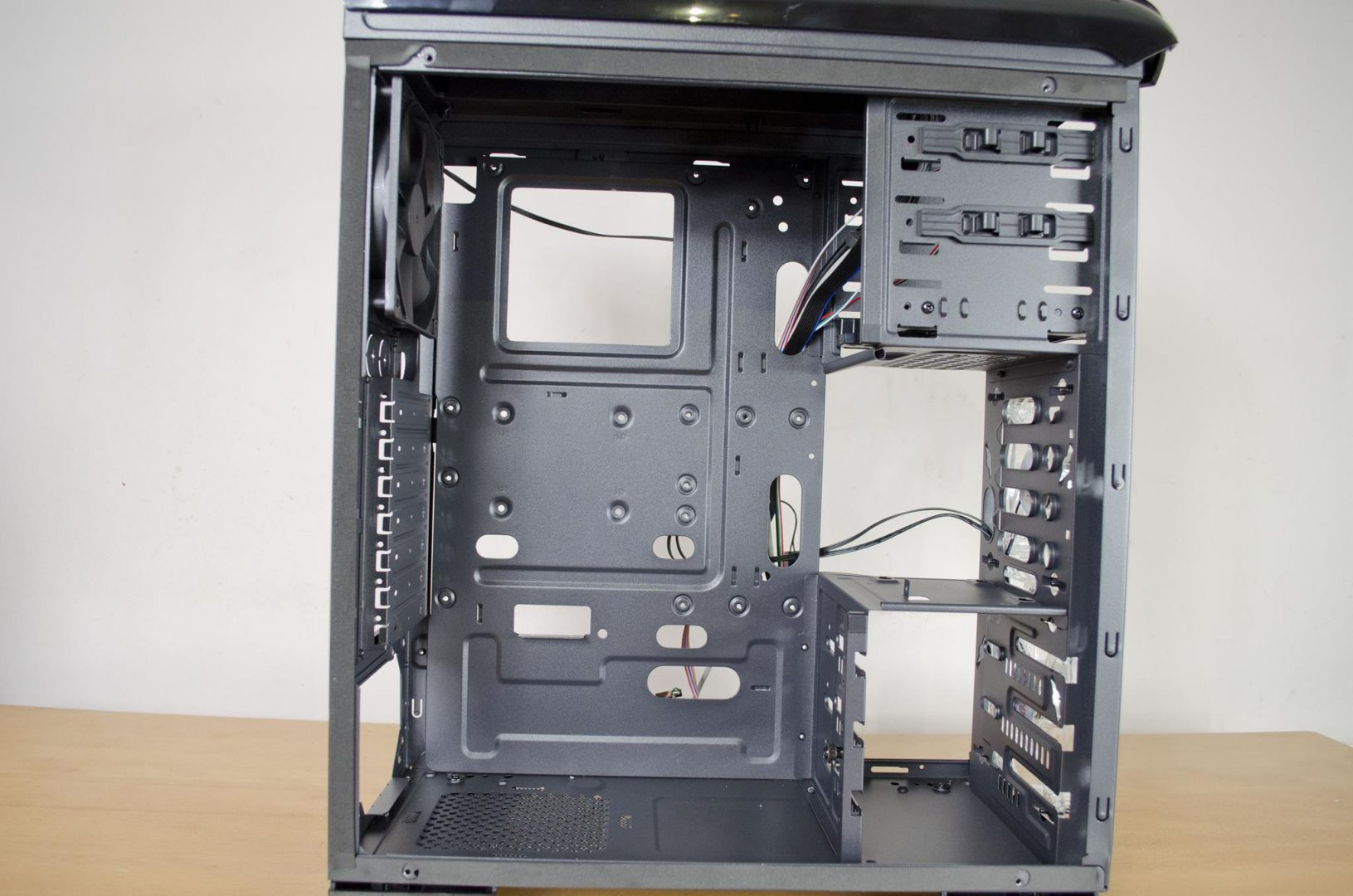 kolink-aviator-v-pc-case-review_11