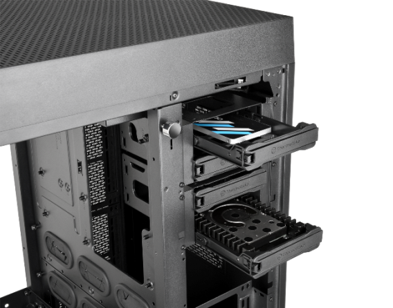 thermaltake-the-tower-900-e-atx-vertical-super-tower-chassis-superior-expansion