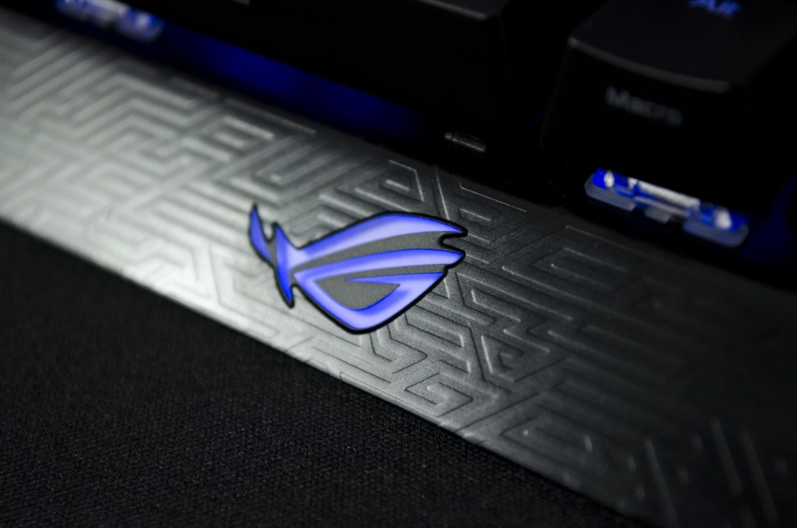 ASUS ROG CLAYMORE mechanical gaming keybaord review_1