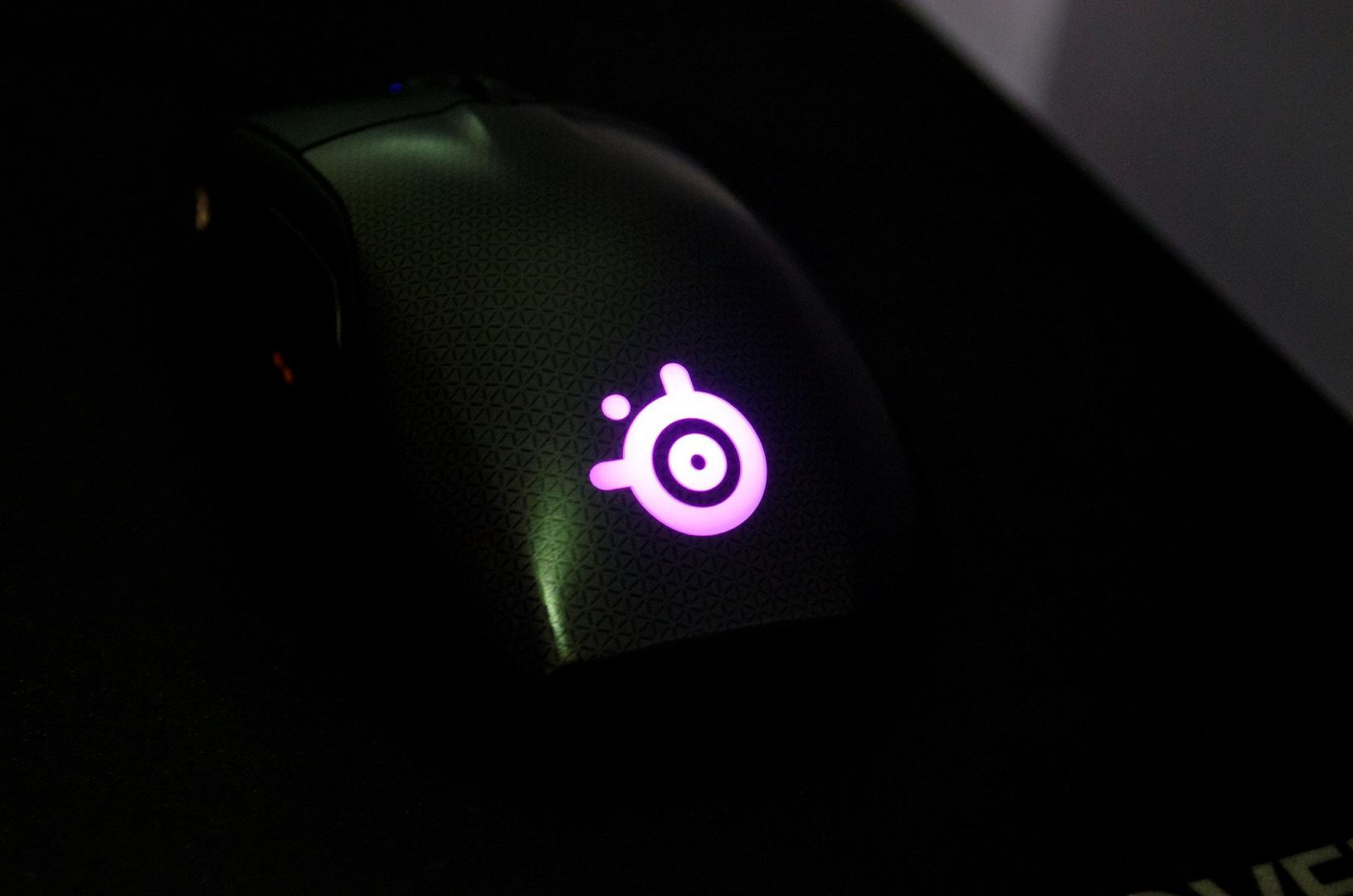 steelseries rival 700 gaming mouse_14