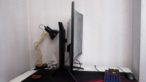 AOC_Agon_monitor_review_curve_