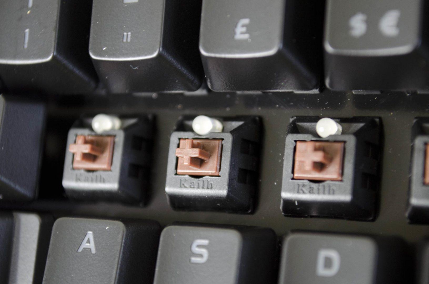 Tt eSPORTS POSEIDON Z Mechanical keyboard with brown switches_11