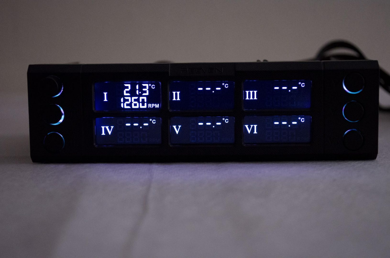 REEVEN SIX EYES TWO Fan Controller Review_7