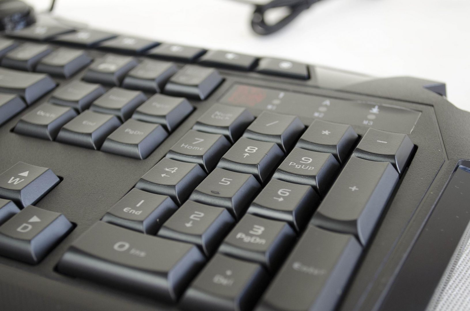Tt eSPORTS Challenger Prime Gaming Keyboard_6