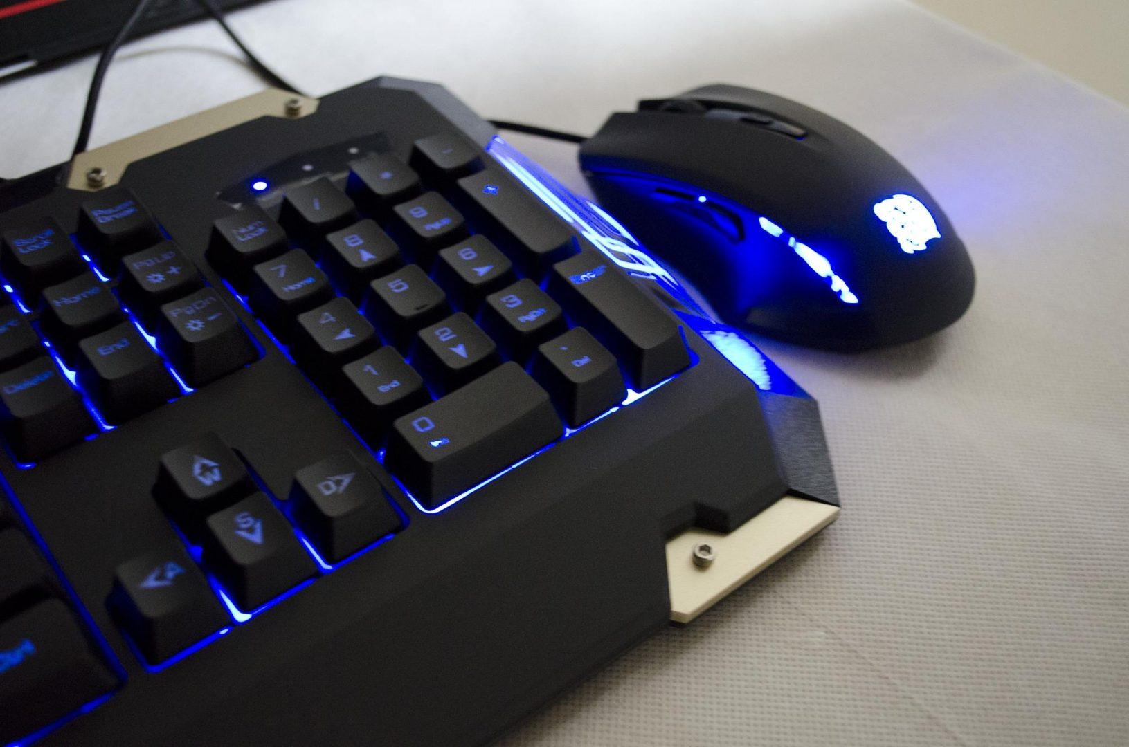 Tt eSPORTS Commander Gaming Gear Combo Review Photos_20