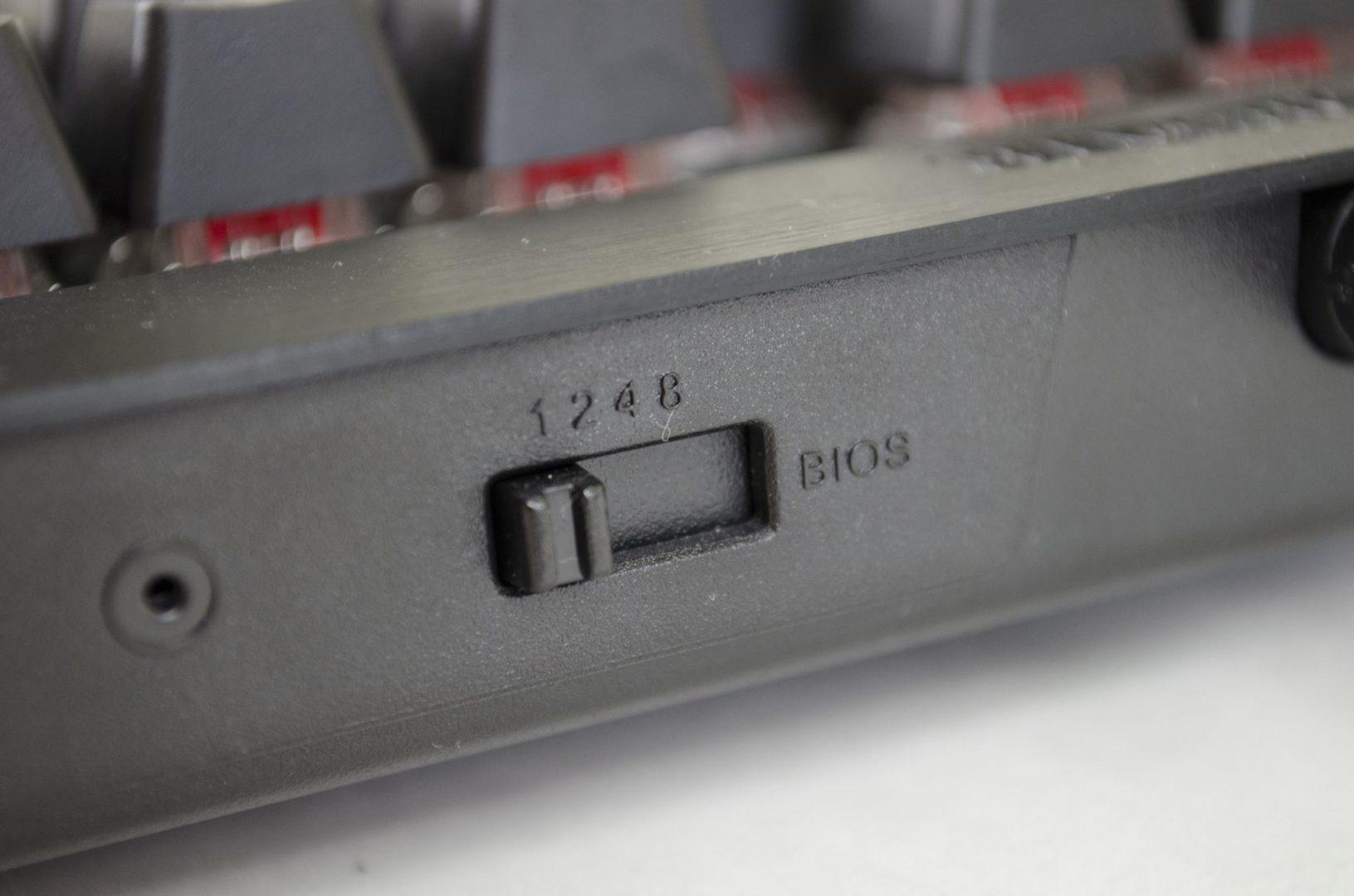 Corsair K70 RGB Mechanical Keyboard_12