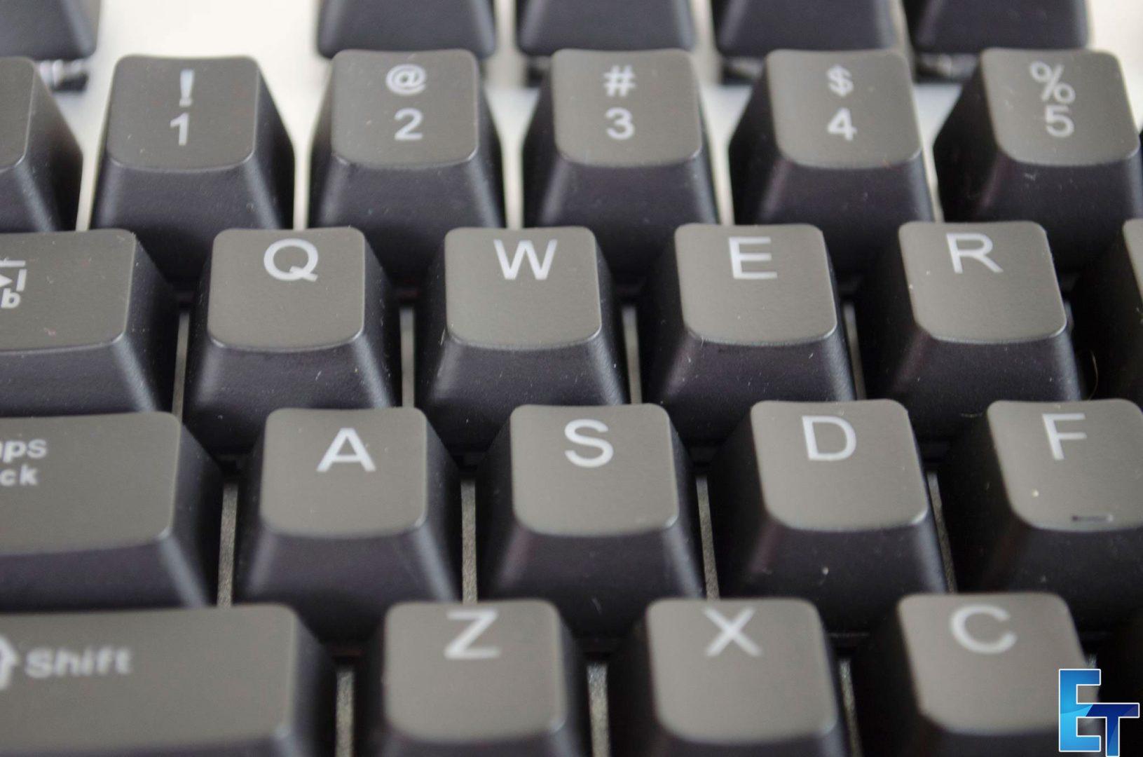 HAVIT-HV-KB366L-RGB-Backlit-Wired-Mechanical-Keyboard-review_5