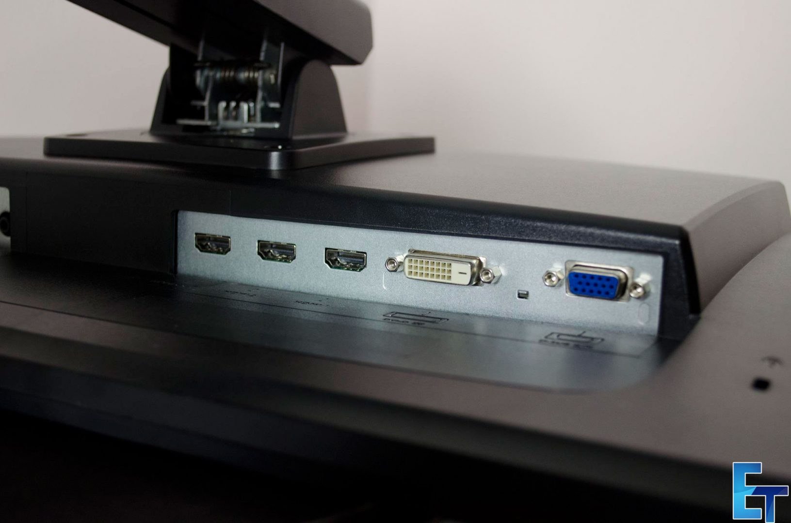 Ben-Q-RL2460-Monitor-Review_9