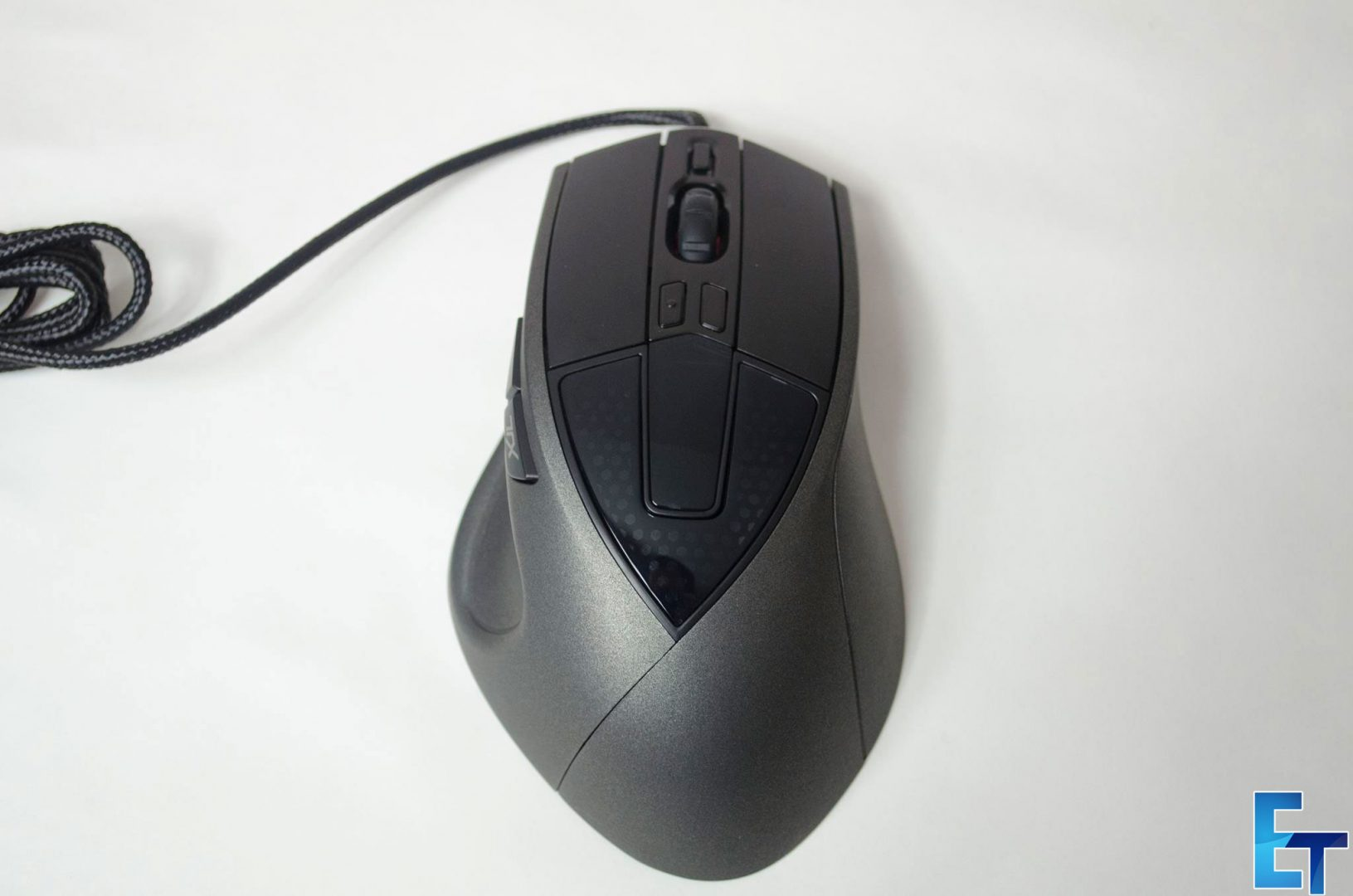 Cooler-Master-Sentinel-III-Ergonomic-Gaming-Mouse-Review_7