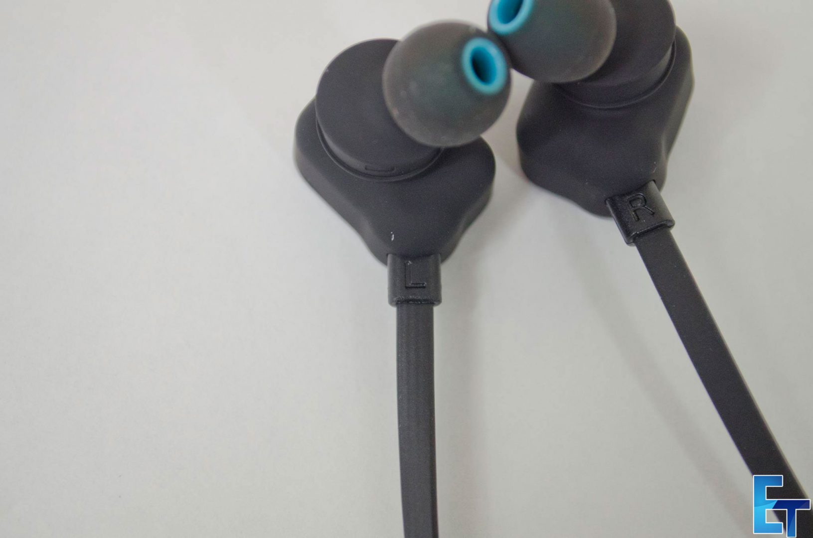 Mpow-Wolverine-Wireless-Bluetooth-4.1-Sport-Headphones_7