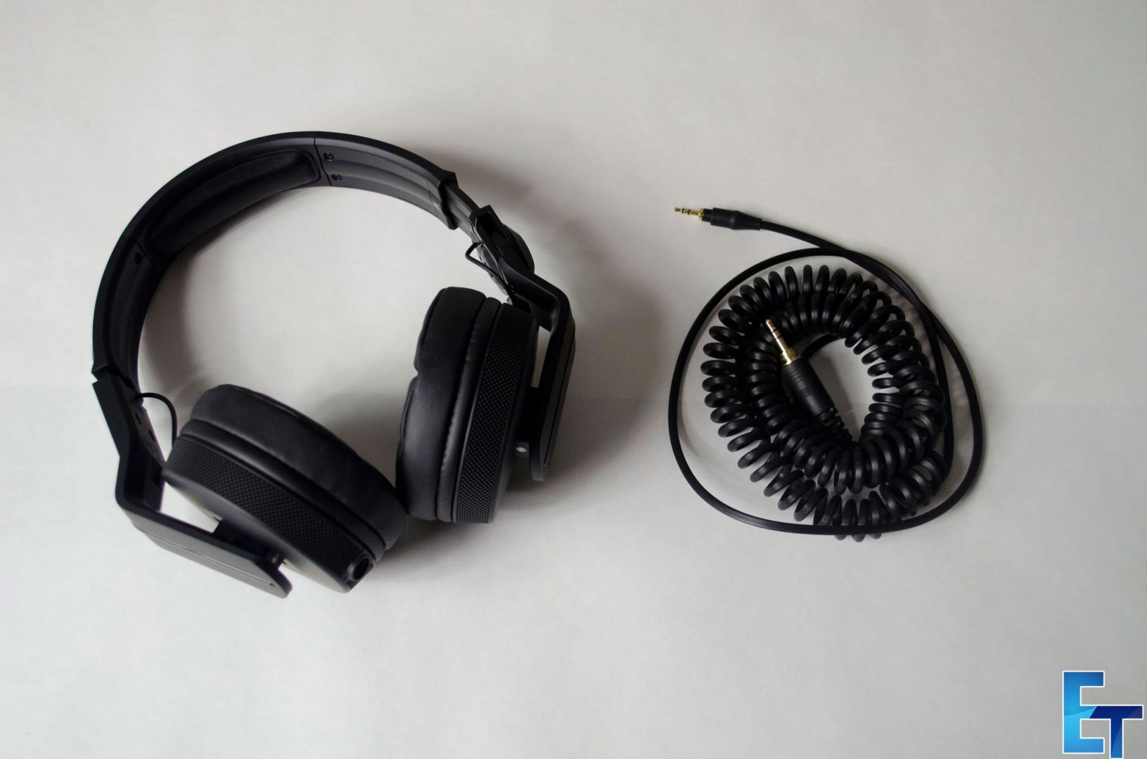 Pioneer-HDJ-700-Headphones-Review
