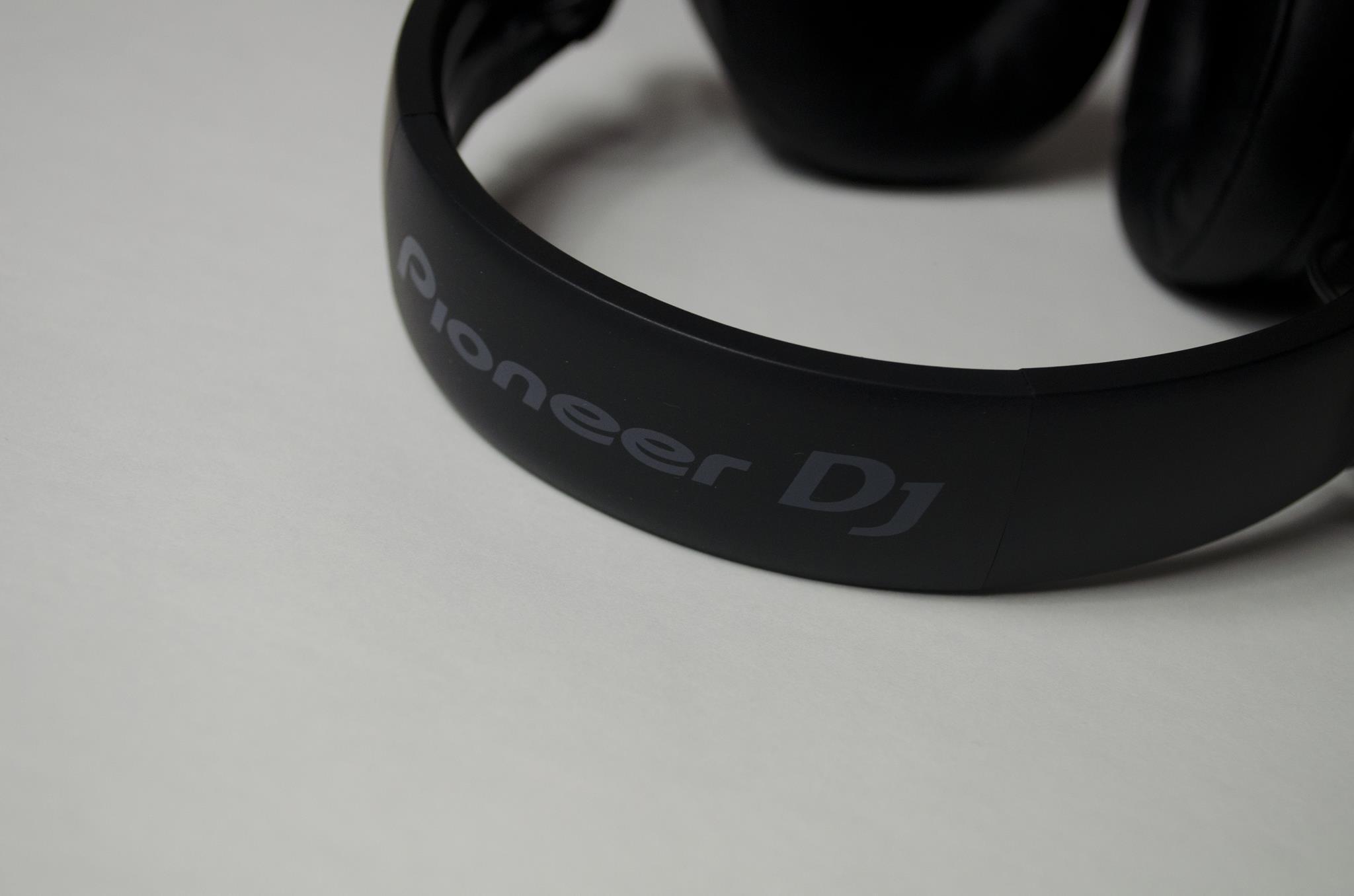 Pioneer HDJ-700 Headphones Review