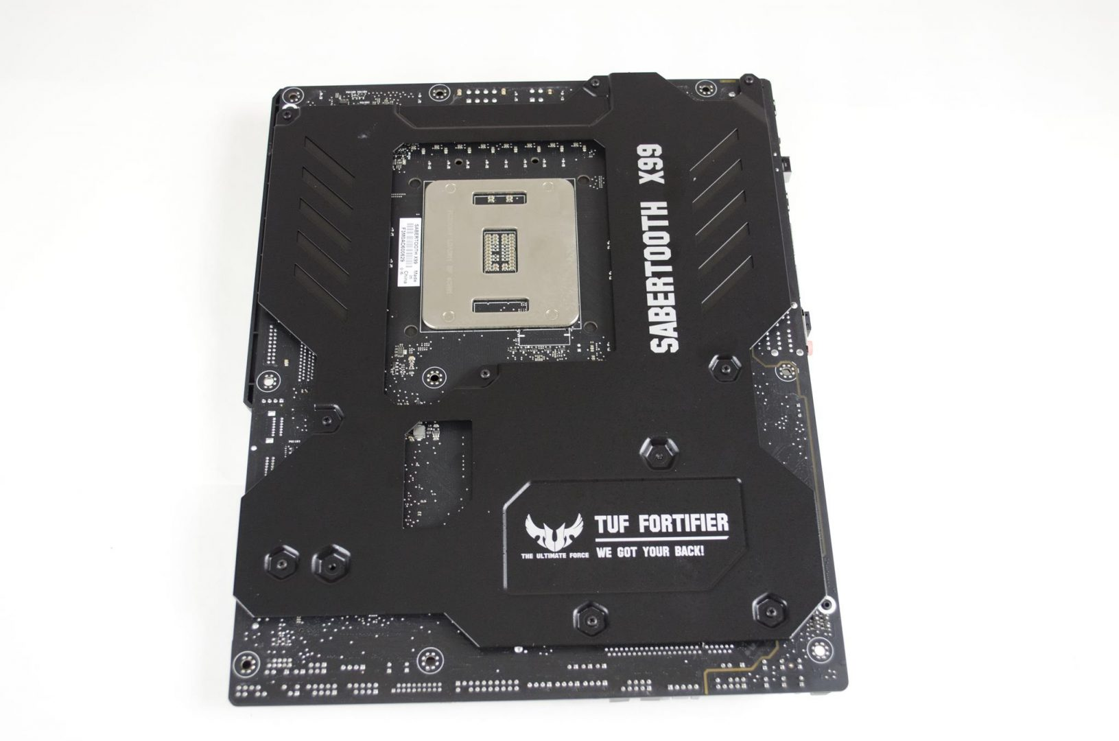 ASUS X99 Savertooth Motherboard Review_4
