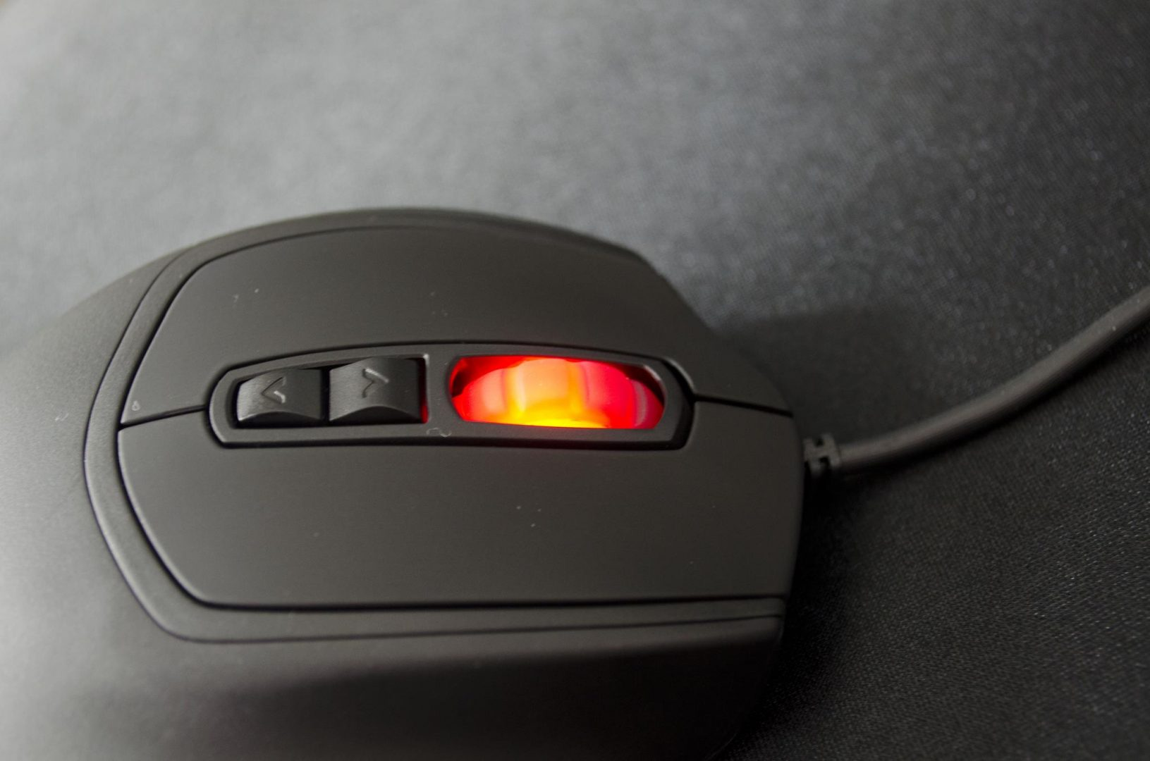 CM Storm Xornet II Gaming Mouse Review_4