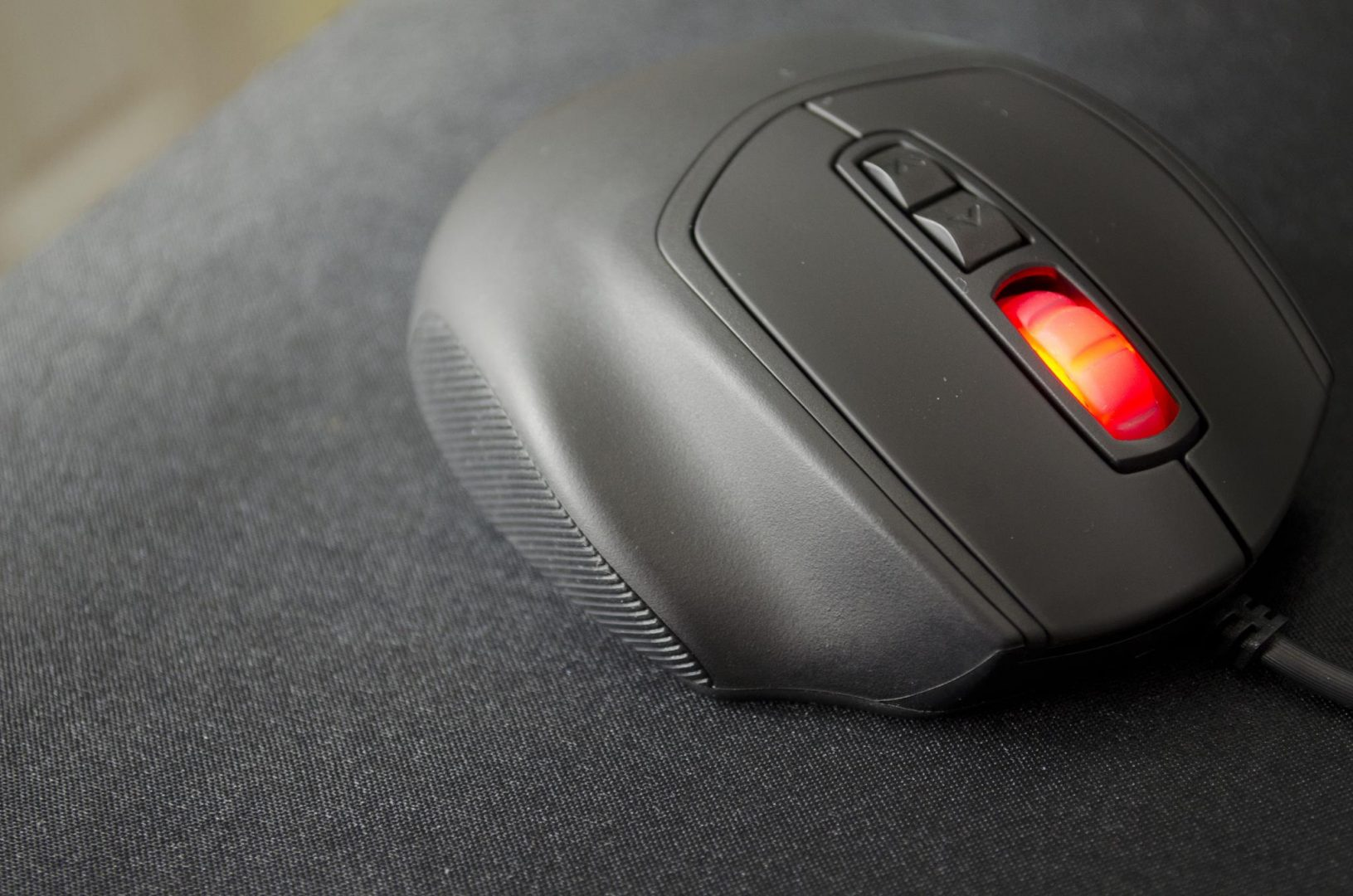 CM Storm Xornet II Gaming Mouse Review_7