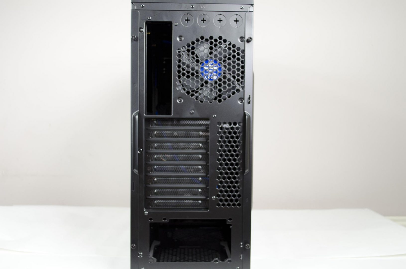 Cooltek Skall PC Case Review_7