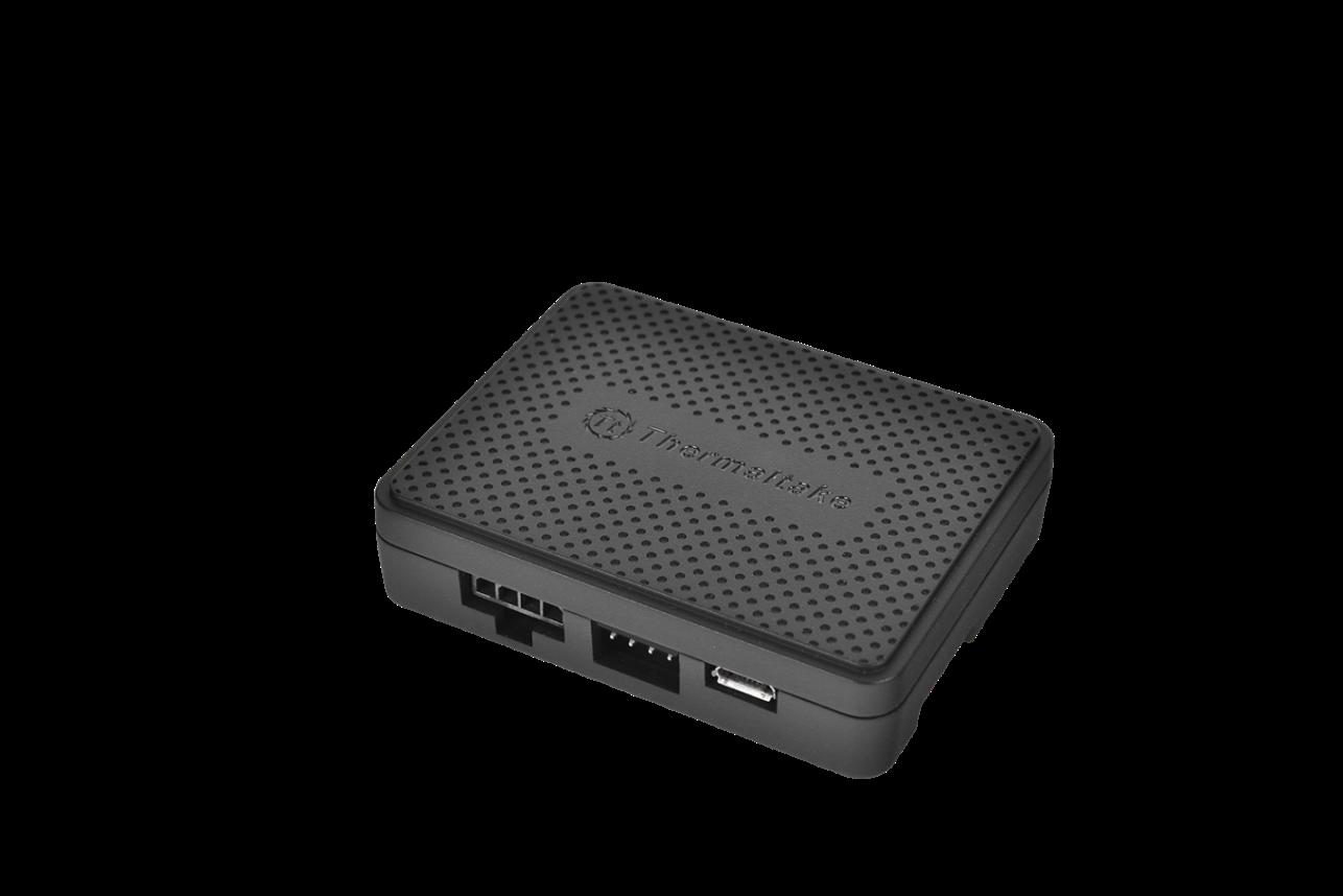 Thermaltake Riing LED RGB Radiator Fan TT Premium Edition has a self-contained digital fan hub