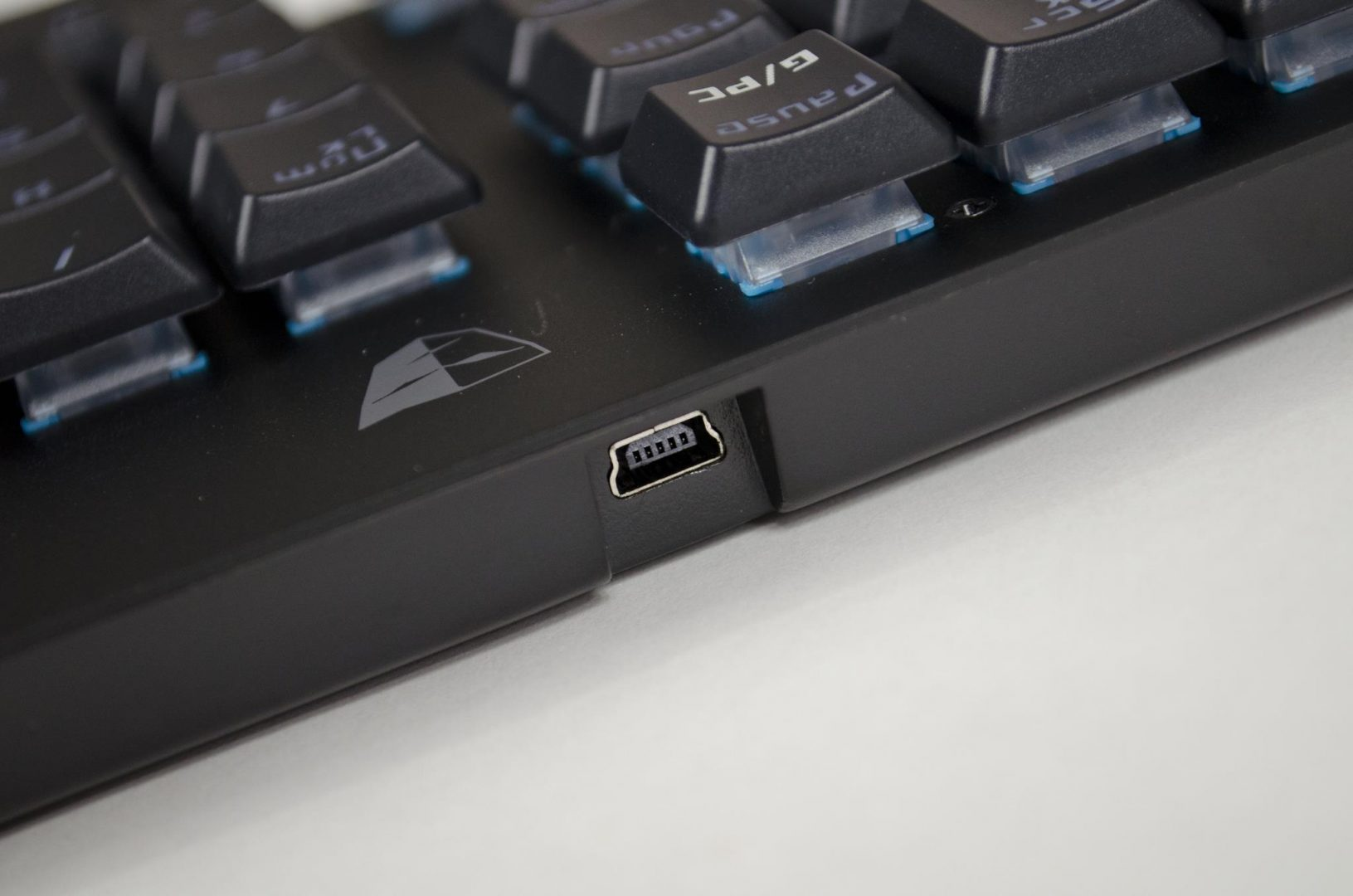 tesoro-gram-spectrum-rgm-gaming-mechanical-keyboard-review_16