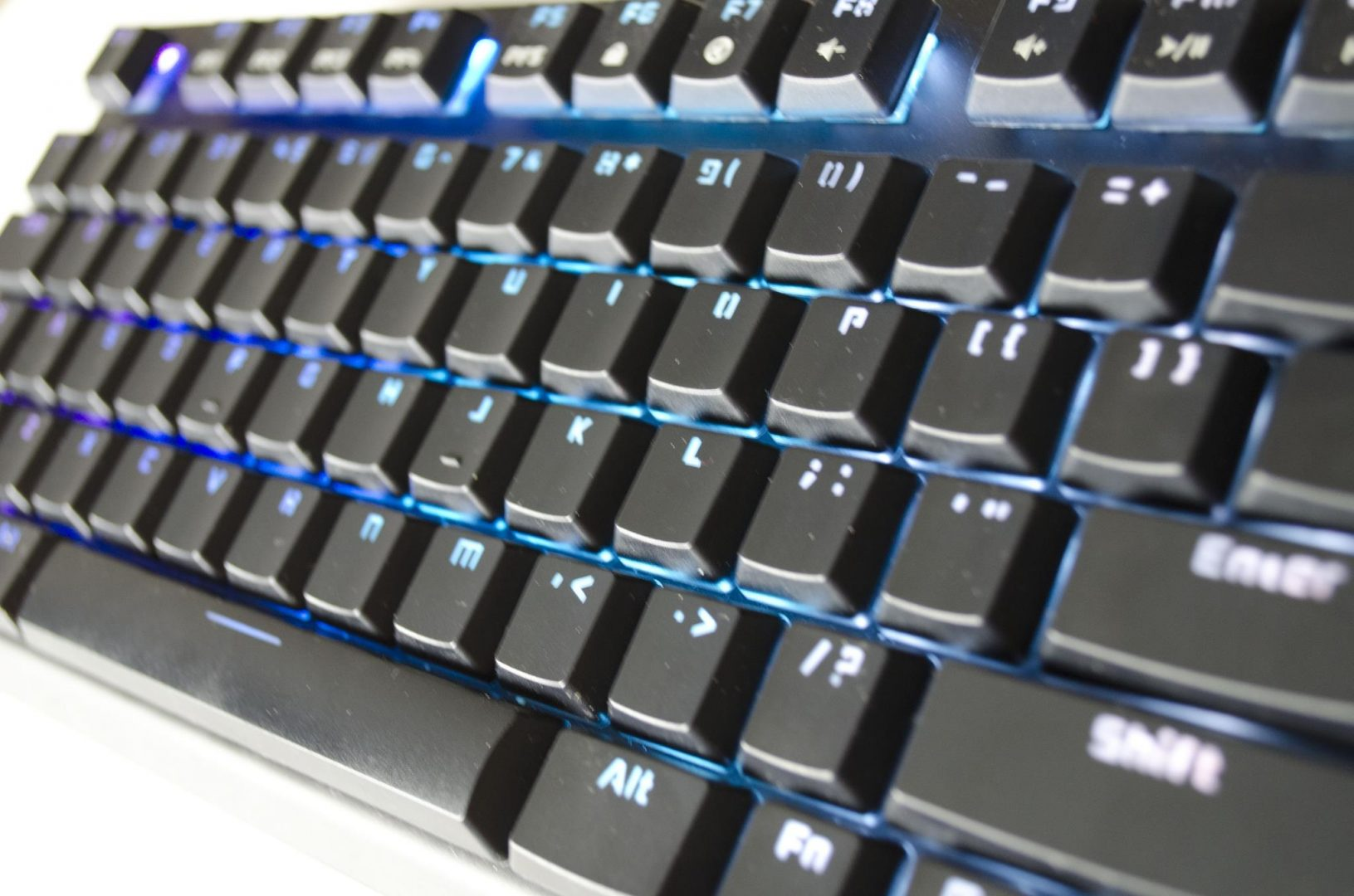 tesoro-gram-spectrum-rgm-gaming-mechanical-keyboard-review_2