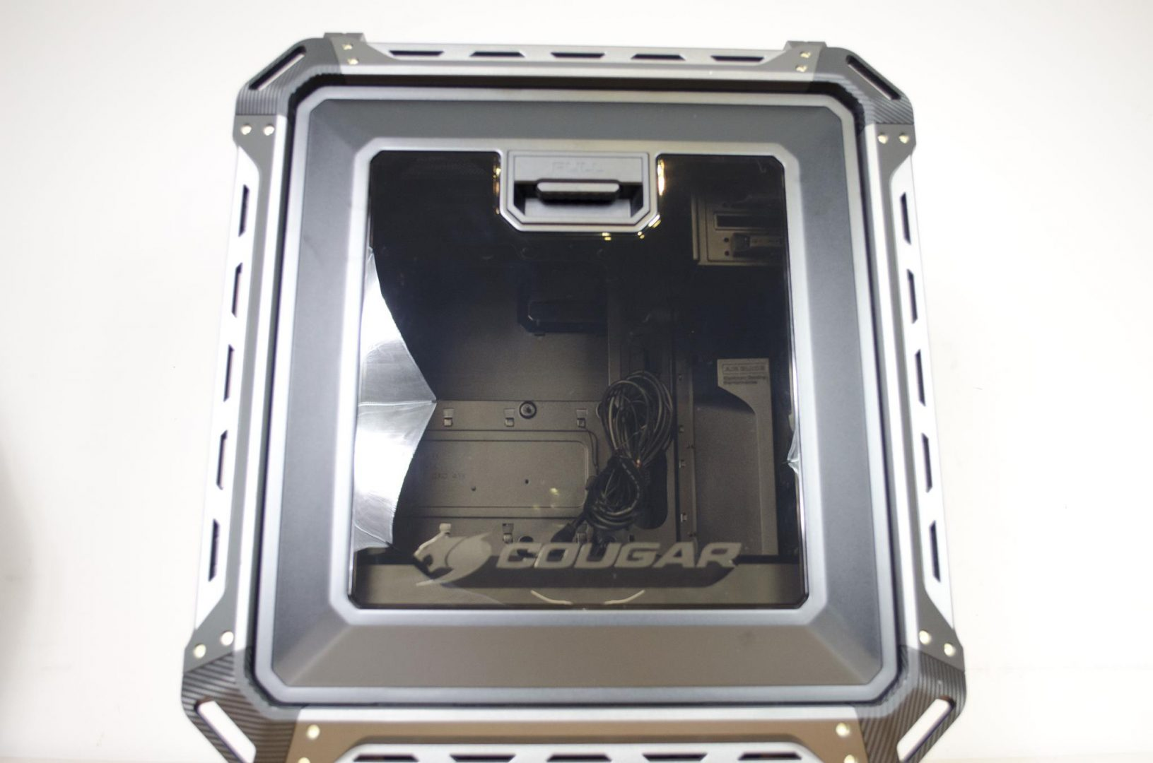 cougar-panzer-max-case-review-_3