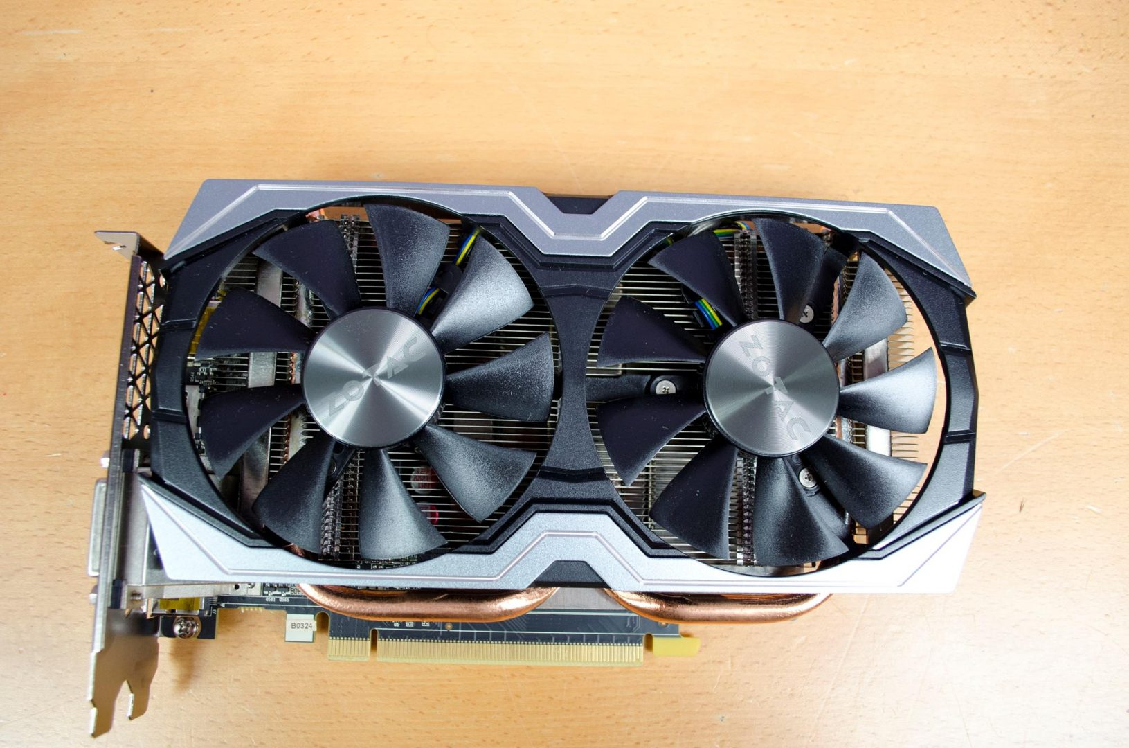zotac geforce gtx 1060 6gb amp edition _4