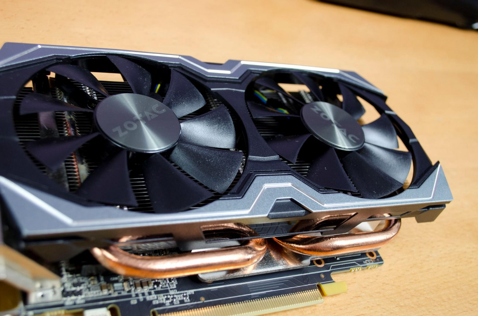 zotac geforce gtx 1060 6gb amp edition _5
