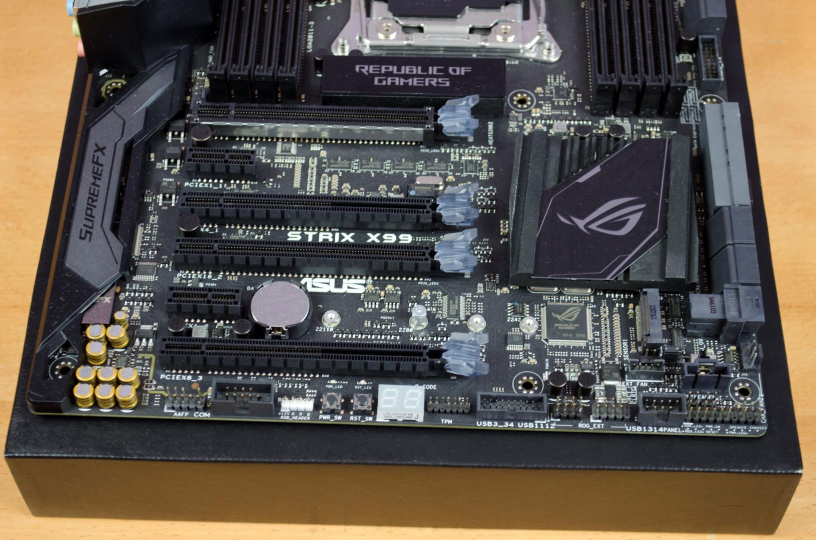 asus rog strix x99 gaming motherboard review_6