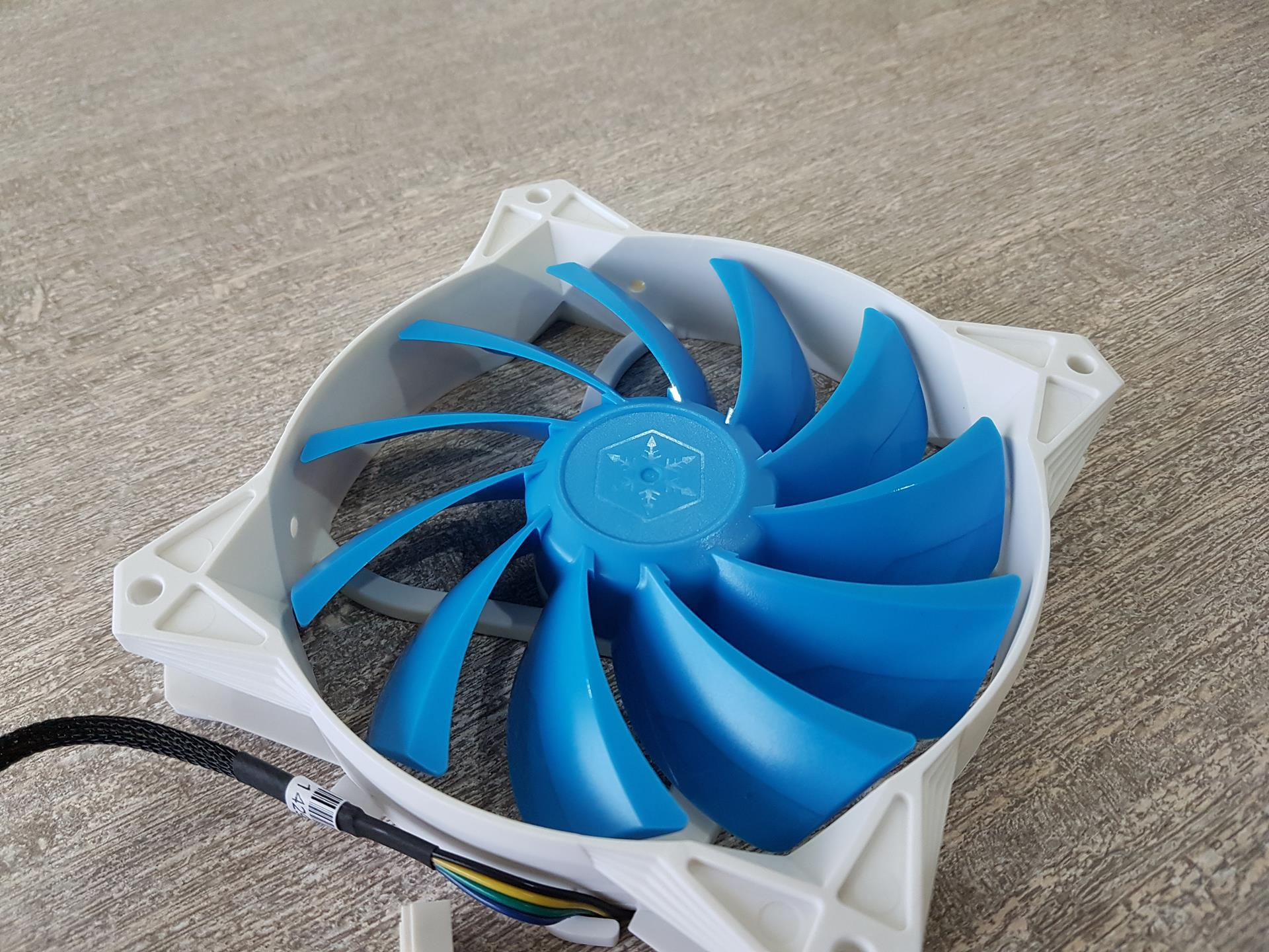 SilverStone SST-FQ122 Ultra-Quiet PWM 120mm Fans Review