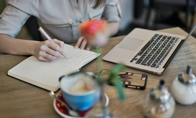 7 Ways to Use Technology to Become a Better Essay Writer